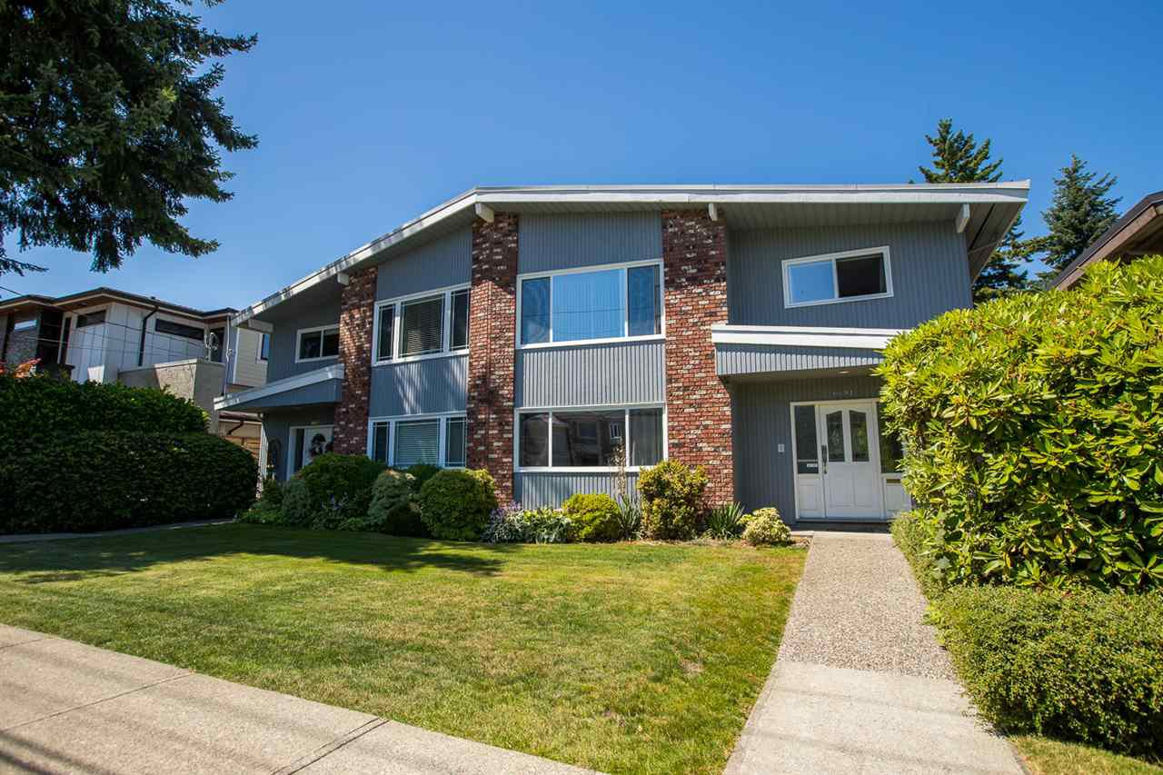 Main Photo: 6681 SPERLING Avenue in Burnaby: Upper Deer Lake House 1/2 Duplex for sale (Burnaby South)  : MLS®# R2391156