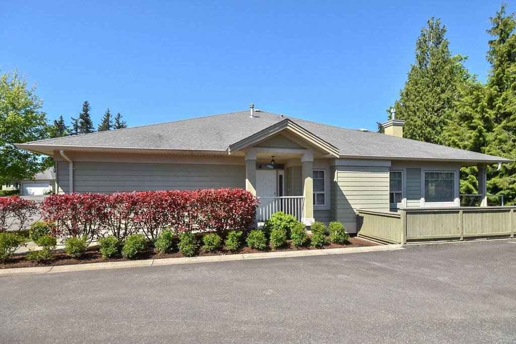 """Main Photo: 11 34159 FRASER Street in Abbotsford: Central Abbotsford Townhouse for sale in """"EMERALD PLACE"""" : MLS®# R2455570"""