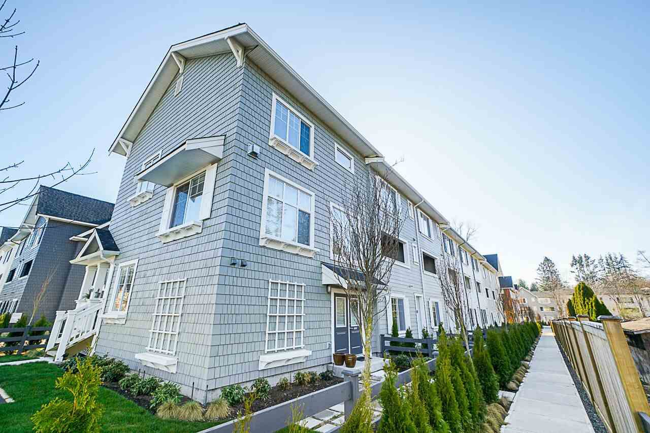 """Main Photo: 32 127 172 Street in Surrey: Pacific Douglas Townhouse for sale in """"THE EAGLES"""" (South Surrey White Rock)  : MLS®# R2401096"""