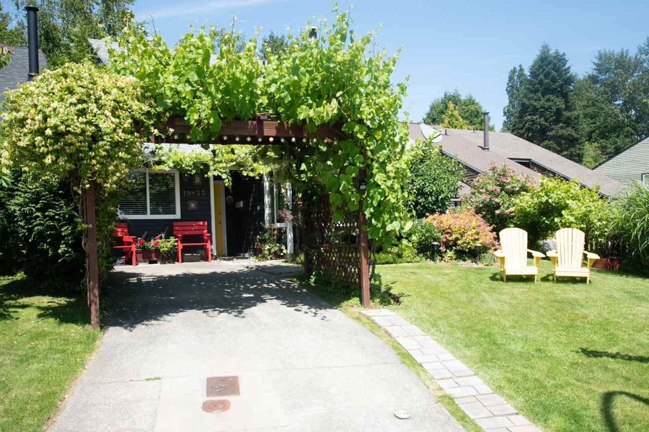 "Main Photo: 19833 53A Avenue in Langley: Langley City House 1/2 Duplex for sale in ""Langley City"" : MLS®# R2468910"