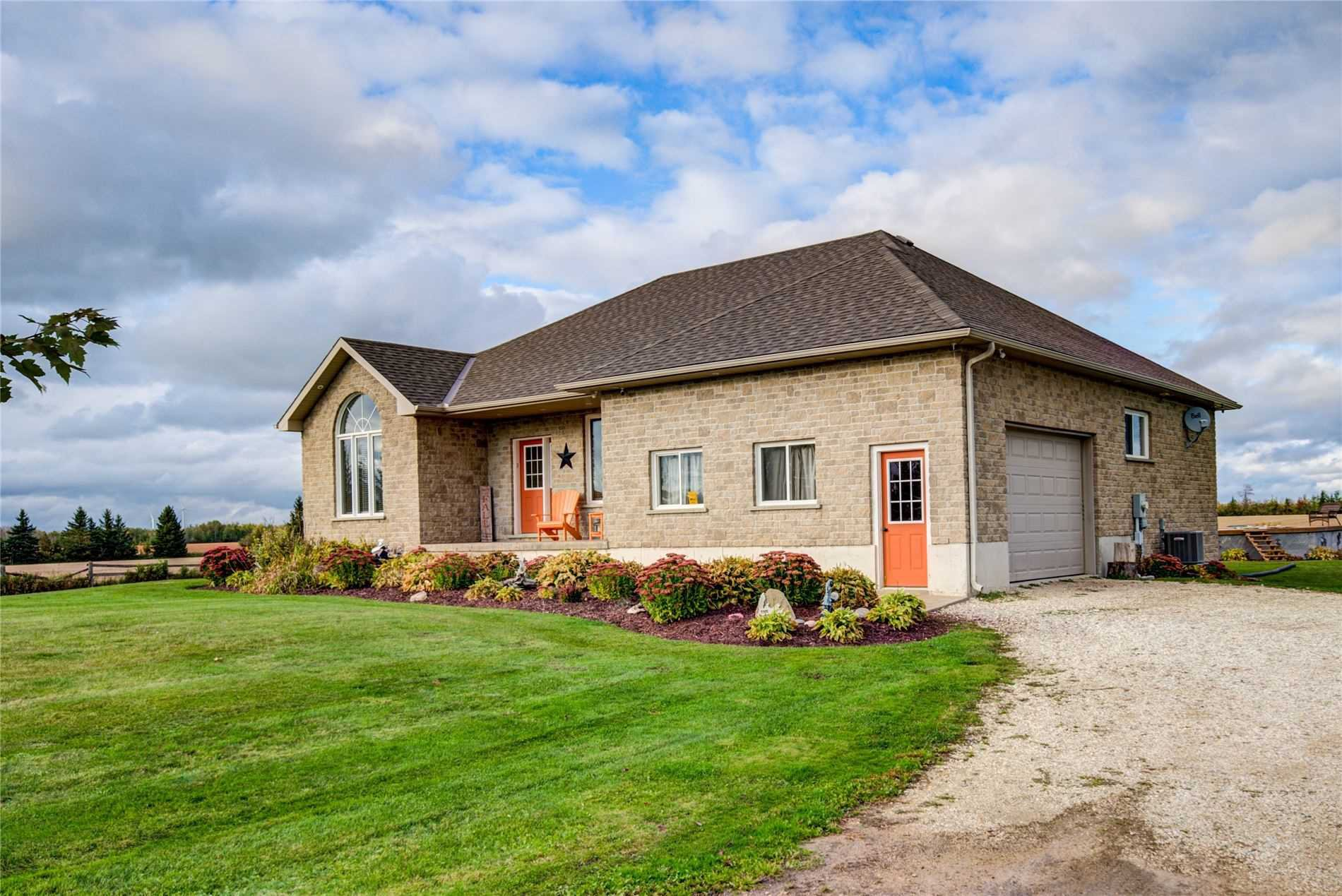 Main Photo: 097427 4th Line Sw in Melancthon: Rural Melancthon House (Bungalow) for sale : MLS®# X4939642