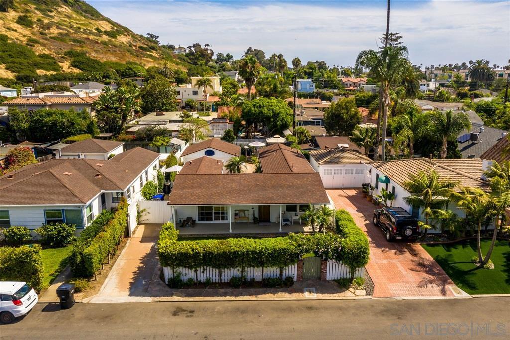 Main Photo: LA JOLLA House for sale : 2 bedrooms : 521 Rosemont St