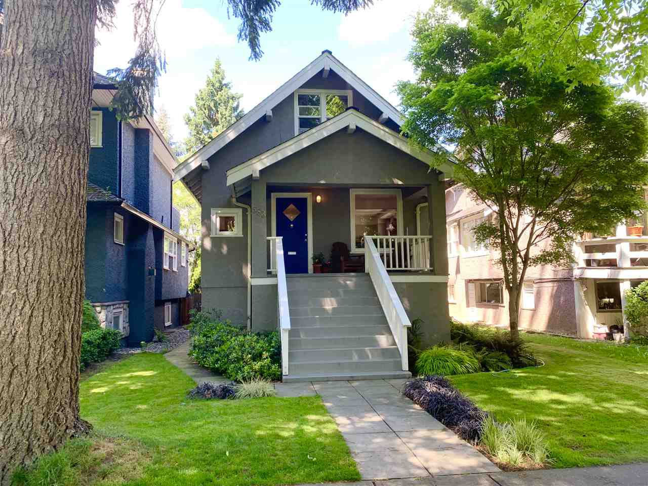 "Main Photo: 583 W 17TH Avenue in Vancouver: Cambie House for sale in ""Cambie Village"" (Vancouver West)  : MLS®# R2460136"