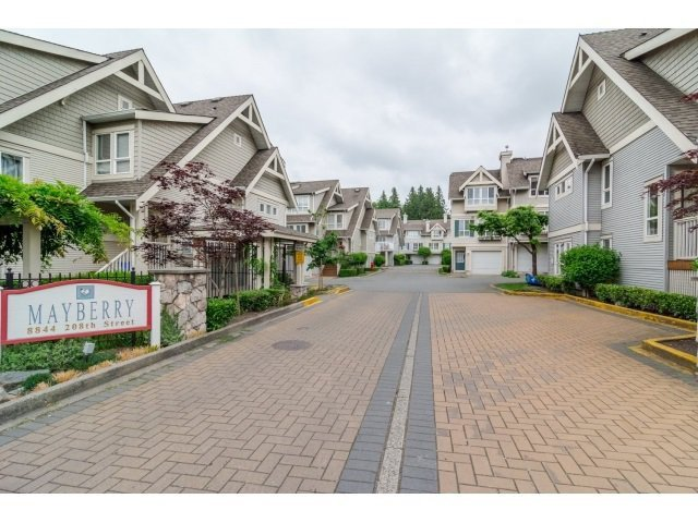 "Main Photo: 42 8844 208 Street in Langley: Walnut Grove Townhouse for sale in ""Mayberry"" : MLS®# R2481589"