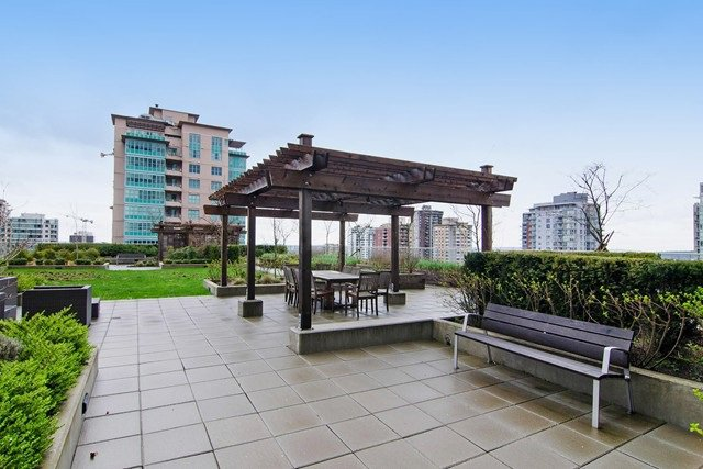 Photo 5: Photos: 1408-135 E. 17th St in North Vancouver: Central Lonsdale Condo for rent
