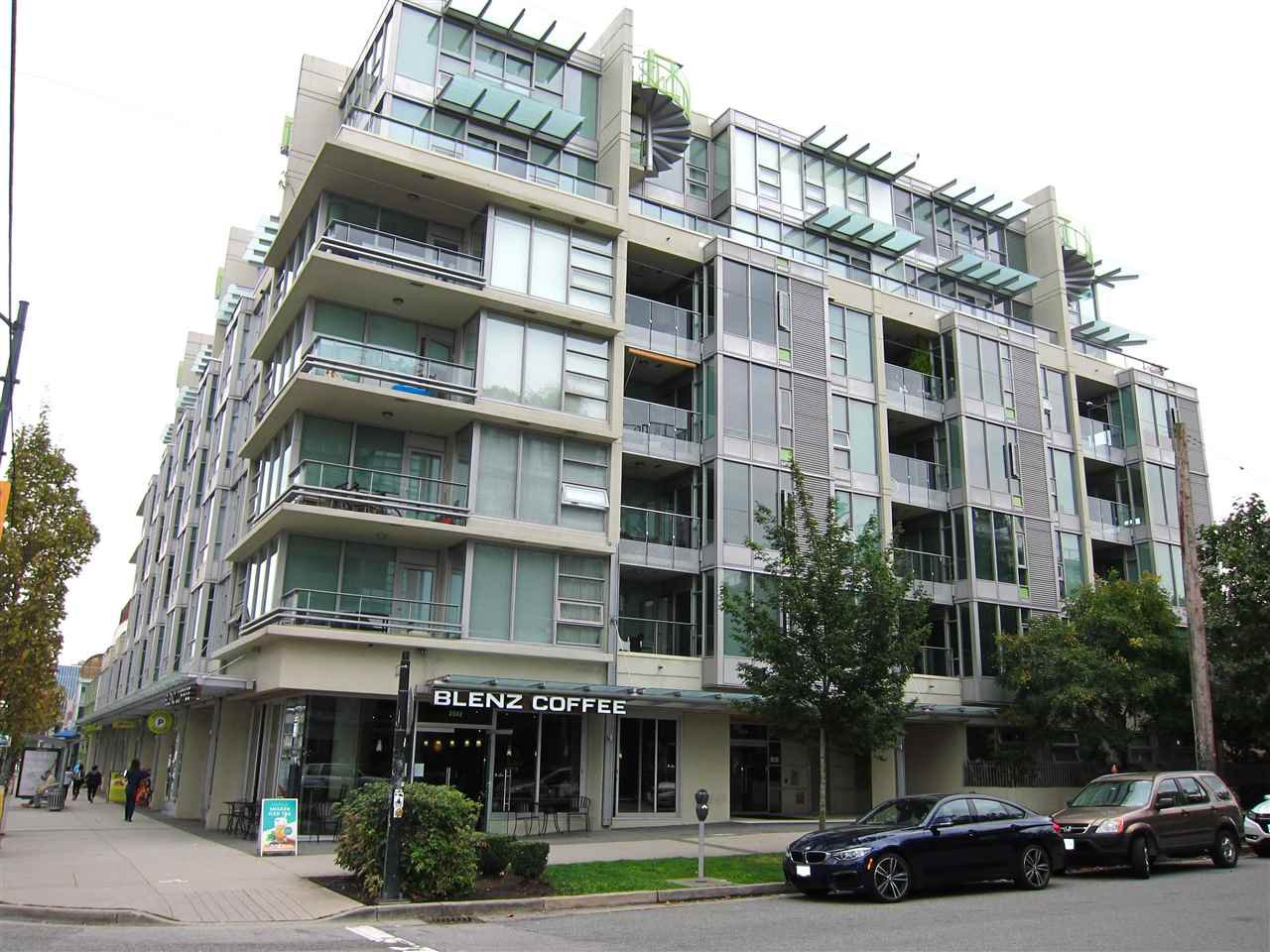 "Main Photo: 402 2528 MAPLE Street in Vancouver: Kitsilano Condo for sale in ""Pulse"" (Vancouver West)  : MLS®# R2397843"