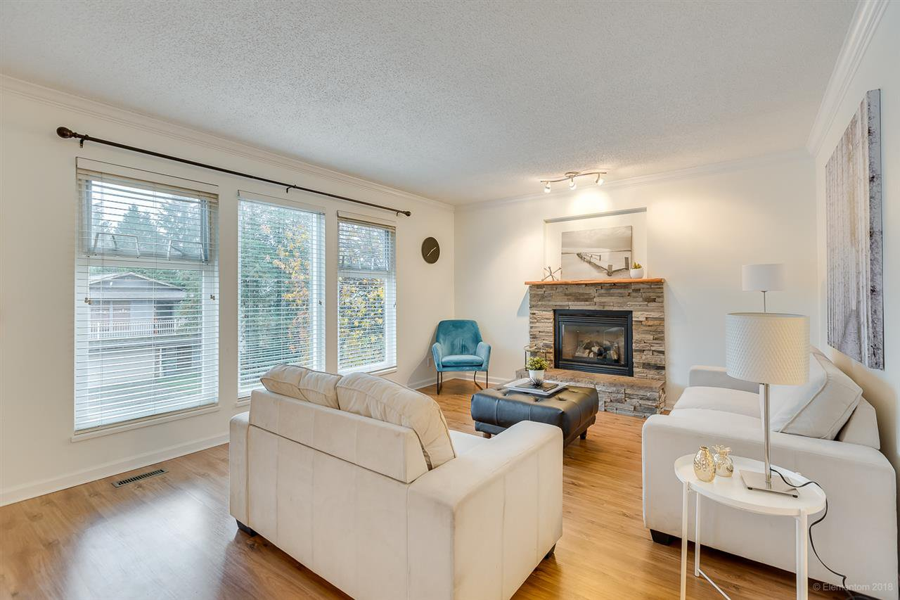 """Main Photo: 3255 SAMUELS Court in Coquitlam: New Horizons House for sale in """"NEW HORIZONS"""" : MLS®# R2420911"""