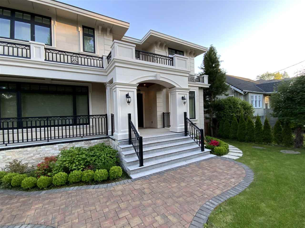 Main Photo: 2708 W 34TH Avenue in Vancouver: MacKenzie Heights House for sale (Vancouver West)  : MLS®# R2457298