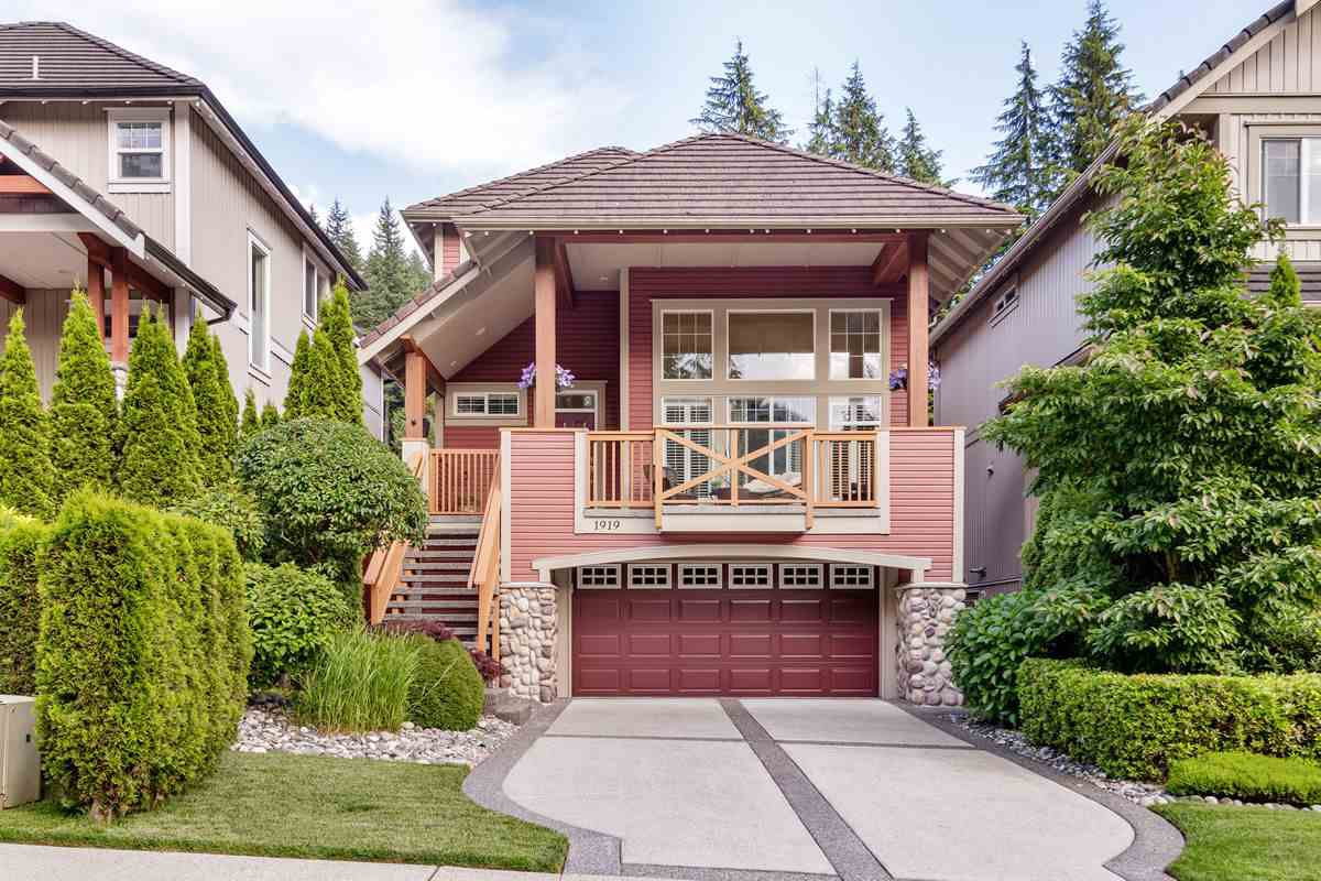 Main Photo: 1919 PARKWAY Boulevard in Coquitlam: Westwood Plateau House for sale : MLS®# R2471627