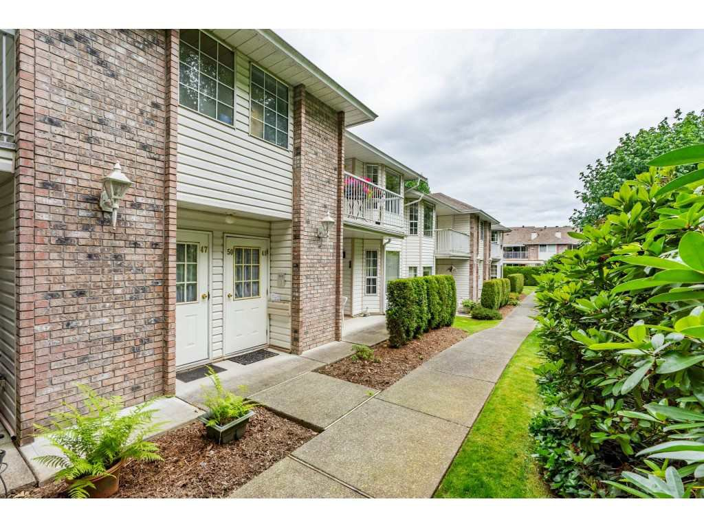 "Main Photo: 48 2938 TRAFALGAR Street in Abbotsford: Central Abbotsford Townhouse for sale in ""Trafalgar Park"" : MLS®# R2475643"