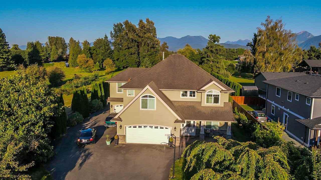 Main Photo: 6438 SUMAS PRAIRIE Road in Sardis - Greendale: Greendale Chilliwack House for sale (Sardis)  : MLS®# R2493443