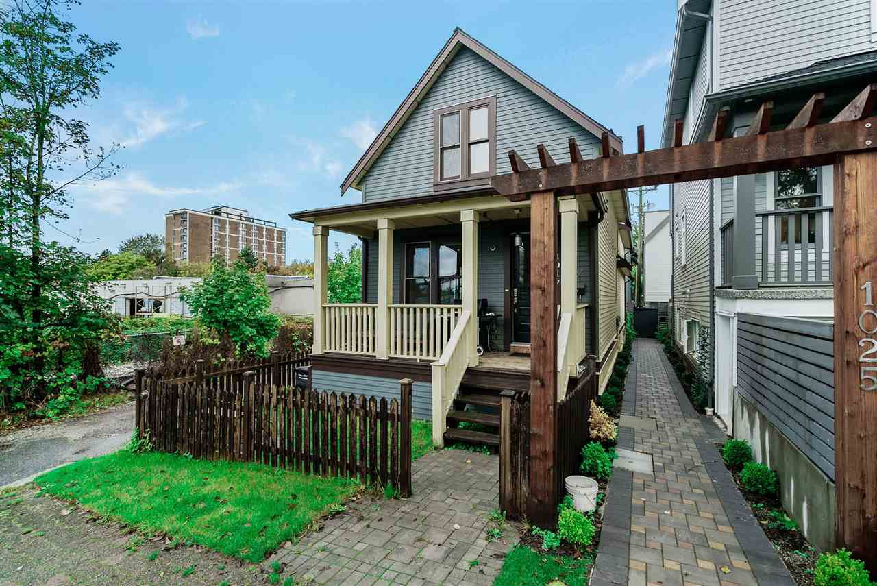 """Main Photo: 1017 KEEFER Street in Vancouver: Strathcona House 1/2 Duplex for sale in """"KEEFER STATION"""" (Vancouver East)  : MLS®# R2508526"""