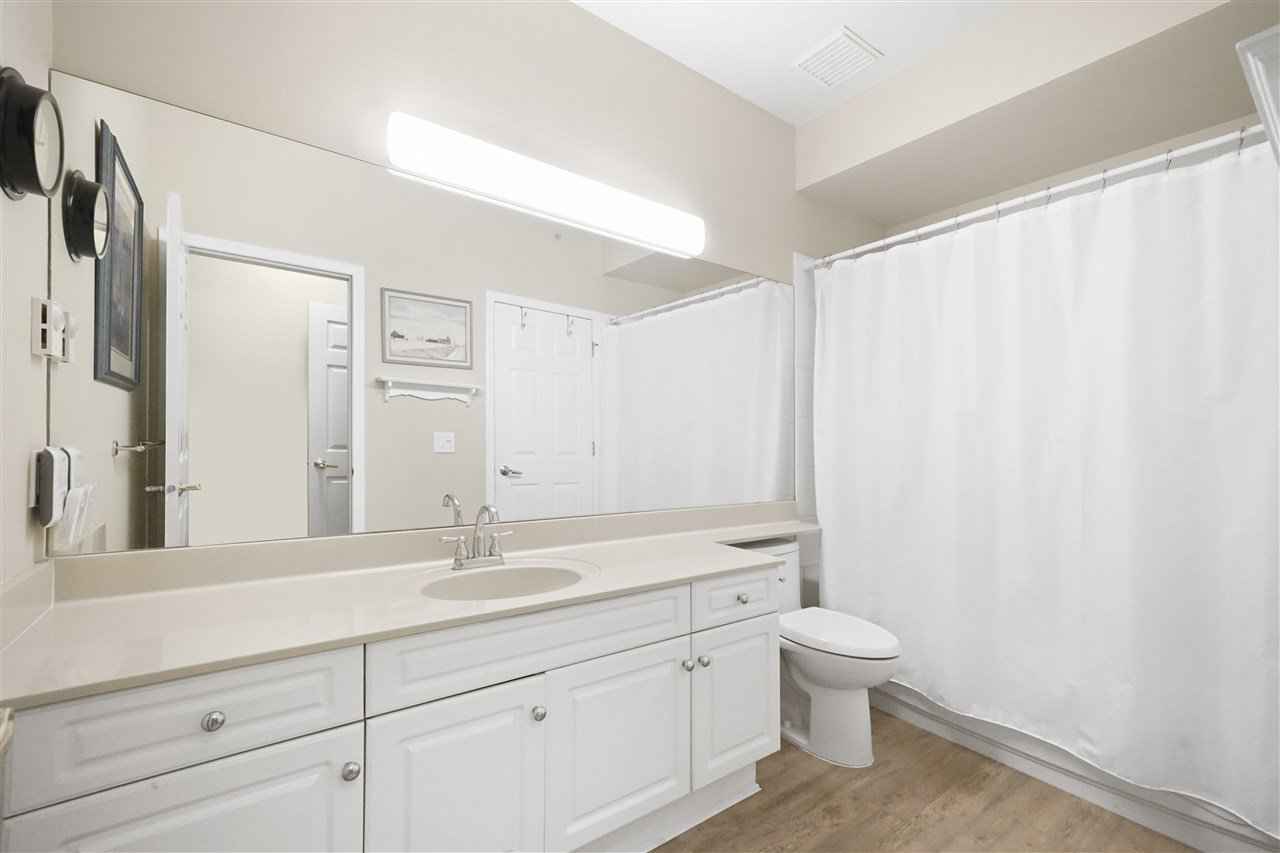 "Photo 15: Photos: 313 4745 54A Street in Delta: Delta Manor Condo for sale in ""ADLINGTON COURT"" (Ladner)  : MLS®# R2415220"