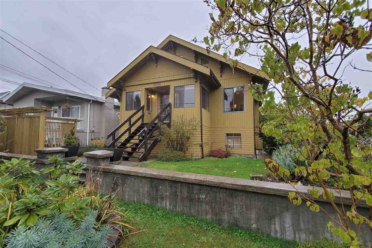 Main Photo: 3586 BELLA-VISTA Street in Vancouver: Knight House for sale (Vancouver East)  : MLS®# R2415260