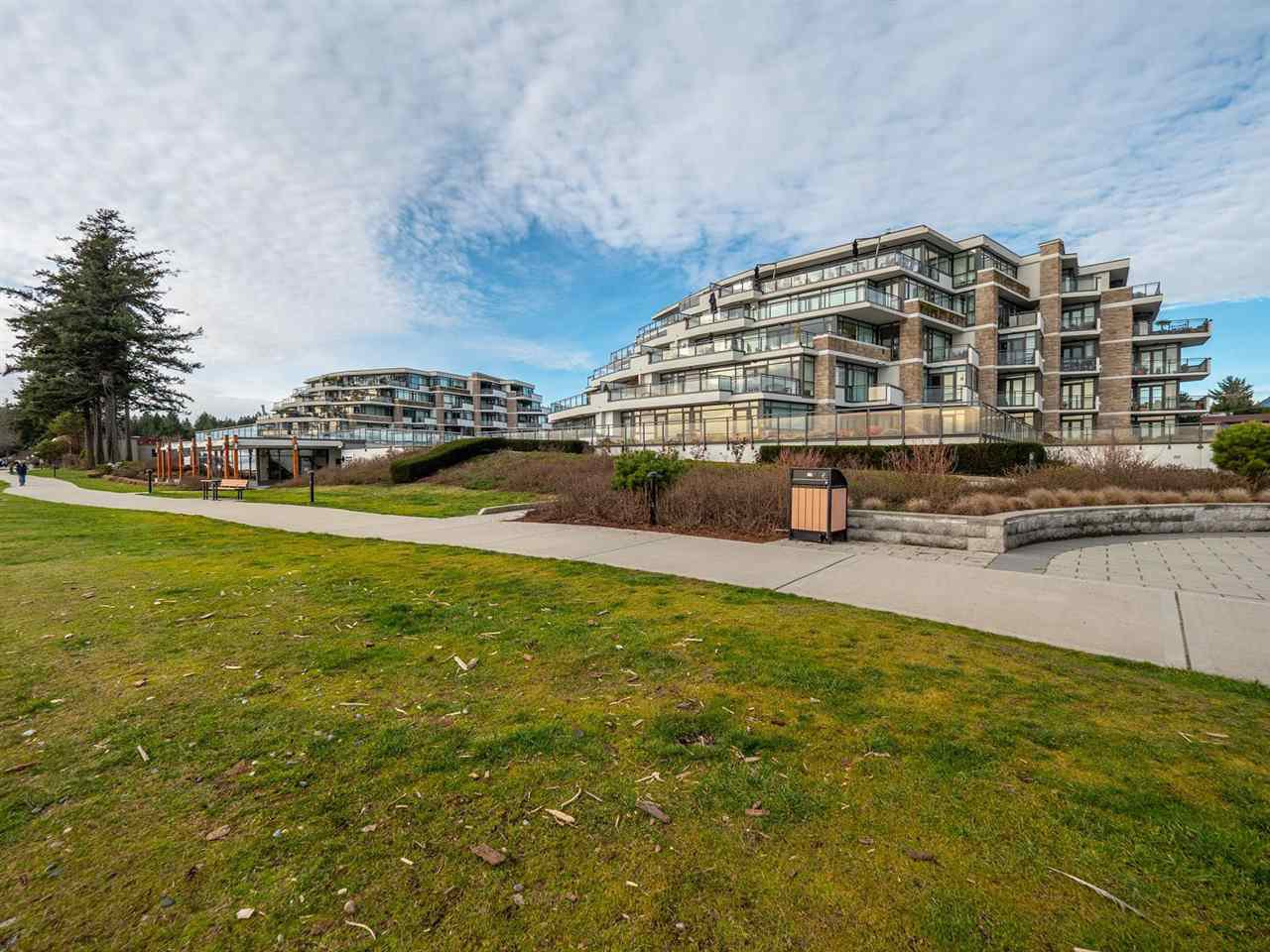 "Main Photo: 210 5665 TEREDO Street in Sechelt: Sechelt District Condo for sale in ""THE WATERMARK"" (Sunshine Coast)  : MLS®# R2506931"
