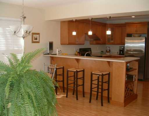 """Photo 3: Photos: 1107 GRANDVIEW RD in Gibsons: Gibsons & Area House for sale in """"GIBSONS"""" (Sunshine Coast)  : MLS®# V586596"""