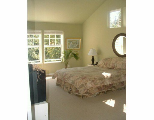 """Photo 8: Photos: 1107 GRANDVIEW RD in Gibsons: Gibsons & Area House for sale in """"GIBSONS"""" (Sunshine Coast)  : MLS®# V586596"""