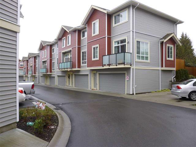 Main Photo: : Townhouse for sale : MLS®# R2234636