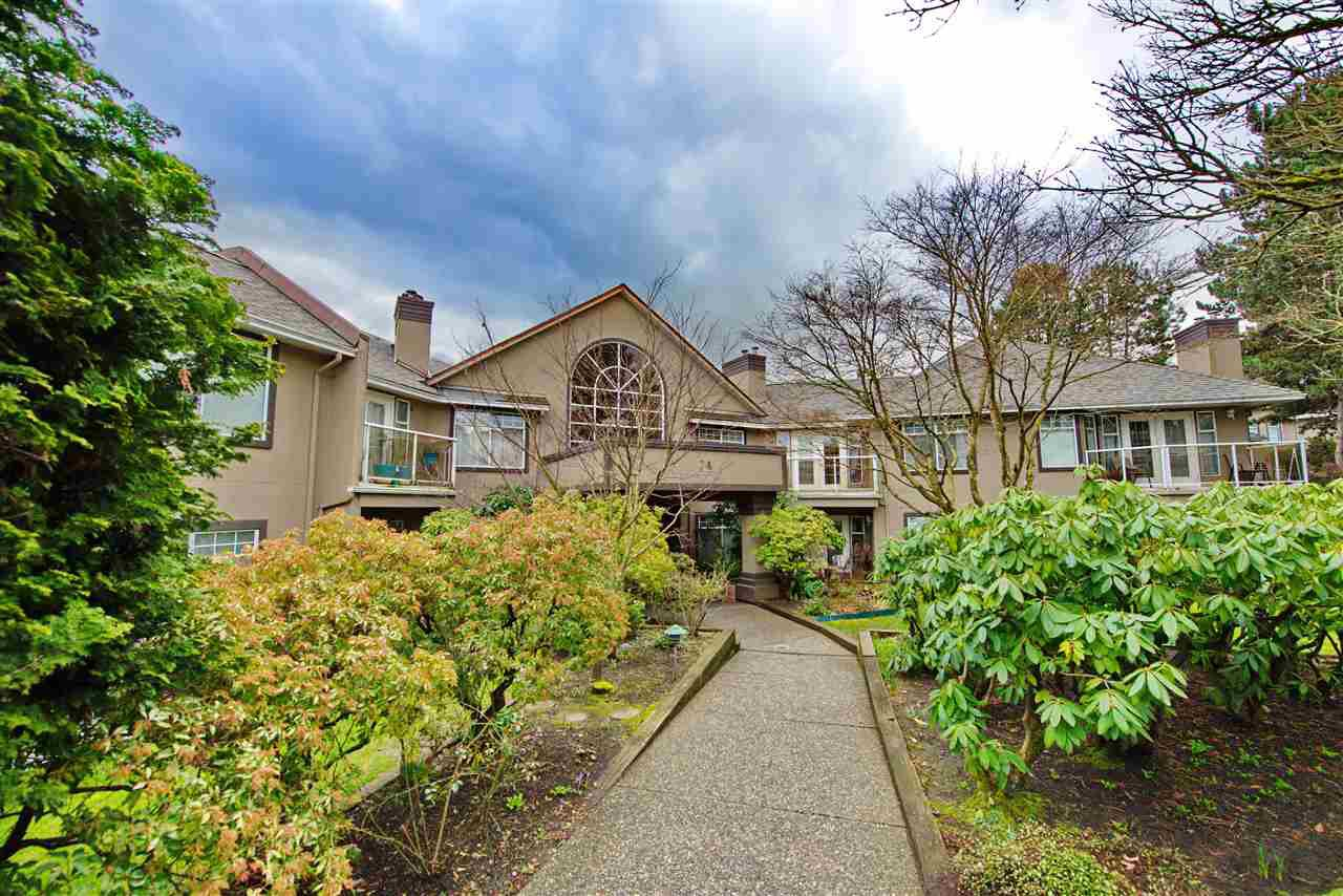 Main Photo: 206 74 MINER Street in New Westminster: Fraserview NW Condo for sale : MLS®# R2444229