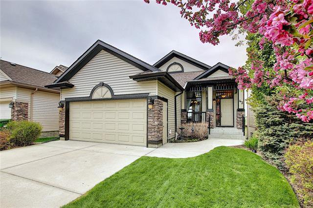 Main Photo: 43 ROCKYLEDGE Rise NW in Calgary: Rocky Ridge Detached for sale : MLS®# C4302946