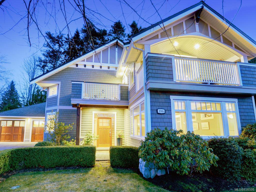 Main Photo: 1705 Texada Terr in North Saanich: NS Dean Park Single Family Detached for sale : MLS®# 838598