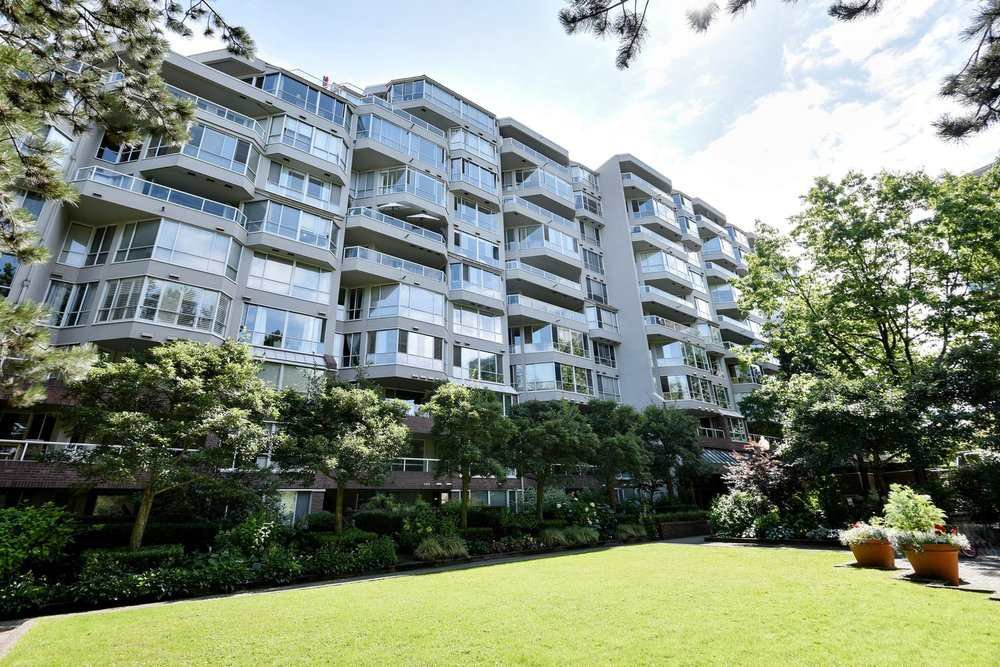 Main Photo: 606 518 MOBERLY Road in Vancouver: False Creek Condo for sale (Vancouver West)  : MLS®# R2483734