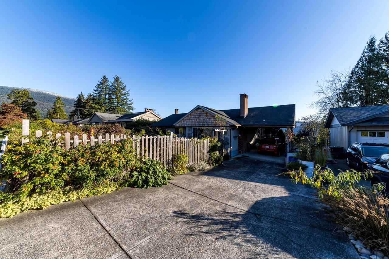 Main Photo: 798 FRIAR Crescent in North Vancouver: Dollarton House for sale : MLS®# R2512347