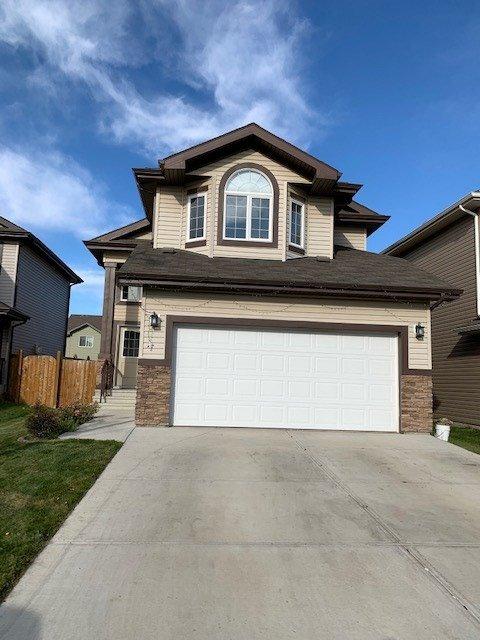 Main Photo: 3224 15 Avenue in Edmonton: Zone 30 Attached Home for sale : MLS®# E4177508