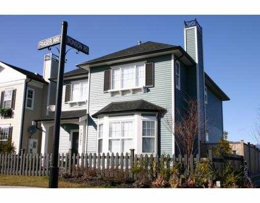 """Main Photo: 19597 FRASER WY in Pitt Meadows: Mid Meadows House for sale in """"SAWYERS LANDING"""" : MLS®# V592744"""