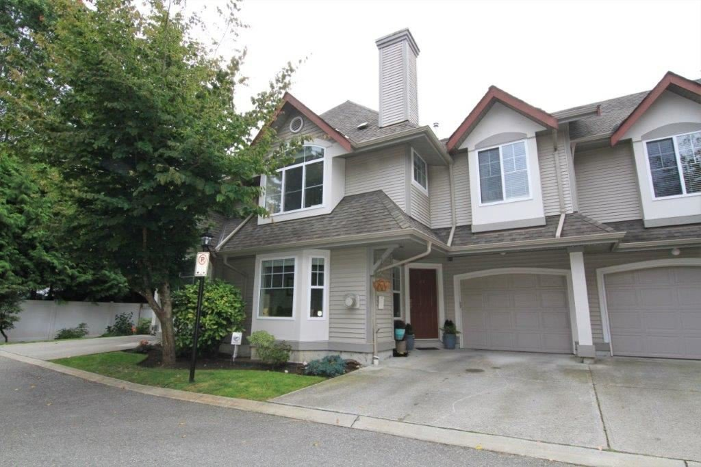 Main Photo: 61 23085 118 Avenue in Maple Ridge: East Central Townhouse for sale : MLS®# R2398977