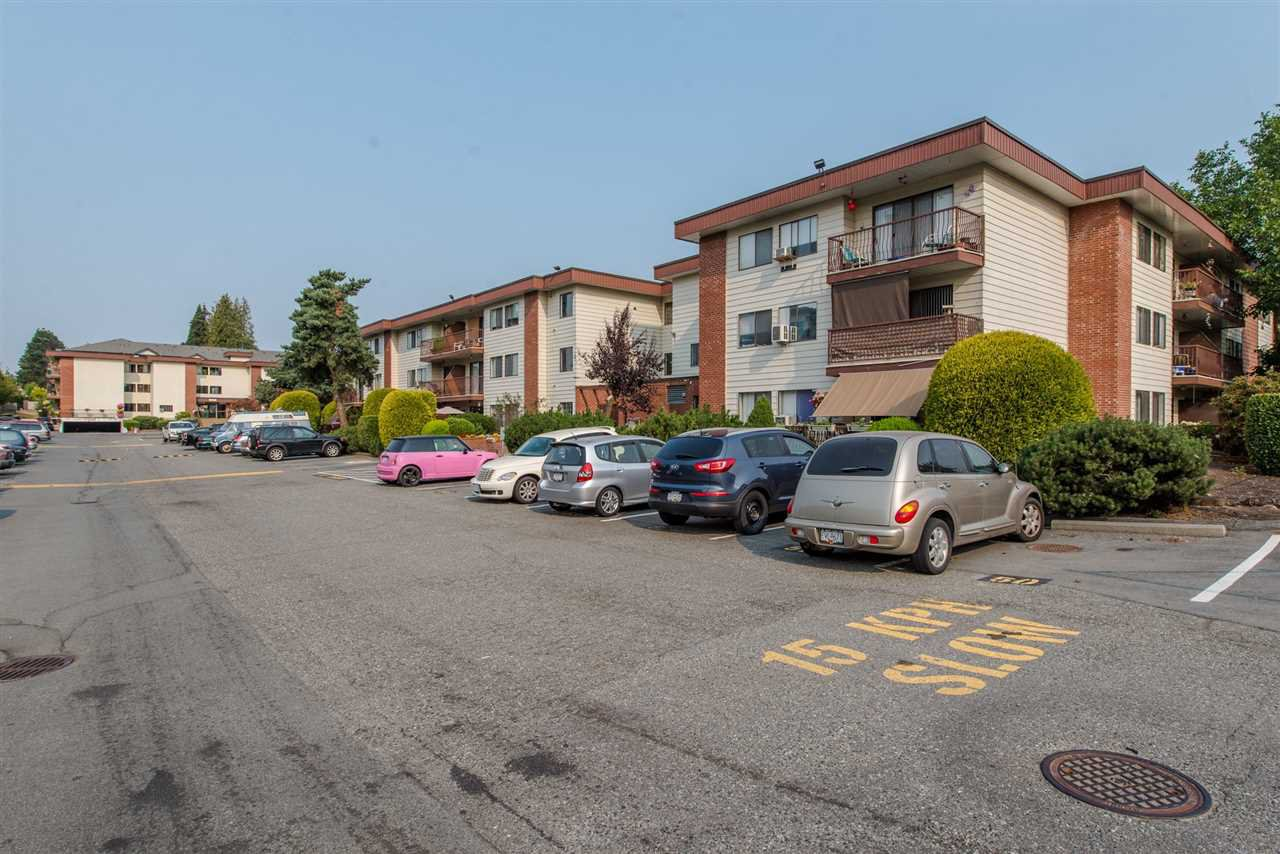"""Main Photo: 128 1909 SALTON Road in Abbotsford: Central Abbotsford Condo for sale in """"Forest Village"""" : MLS®# R2410831"""