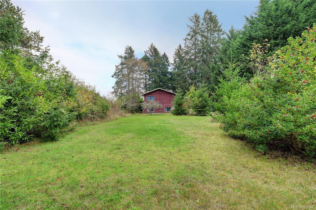 Main Photo: 8607 East Saanich Rd in NORTH SAANICH: NS Bazan Bay Single Family Detached for sale (North Saanich)  : MLS®# 829046