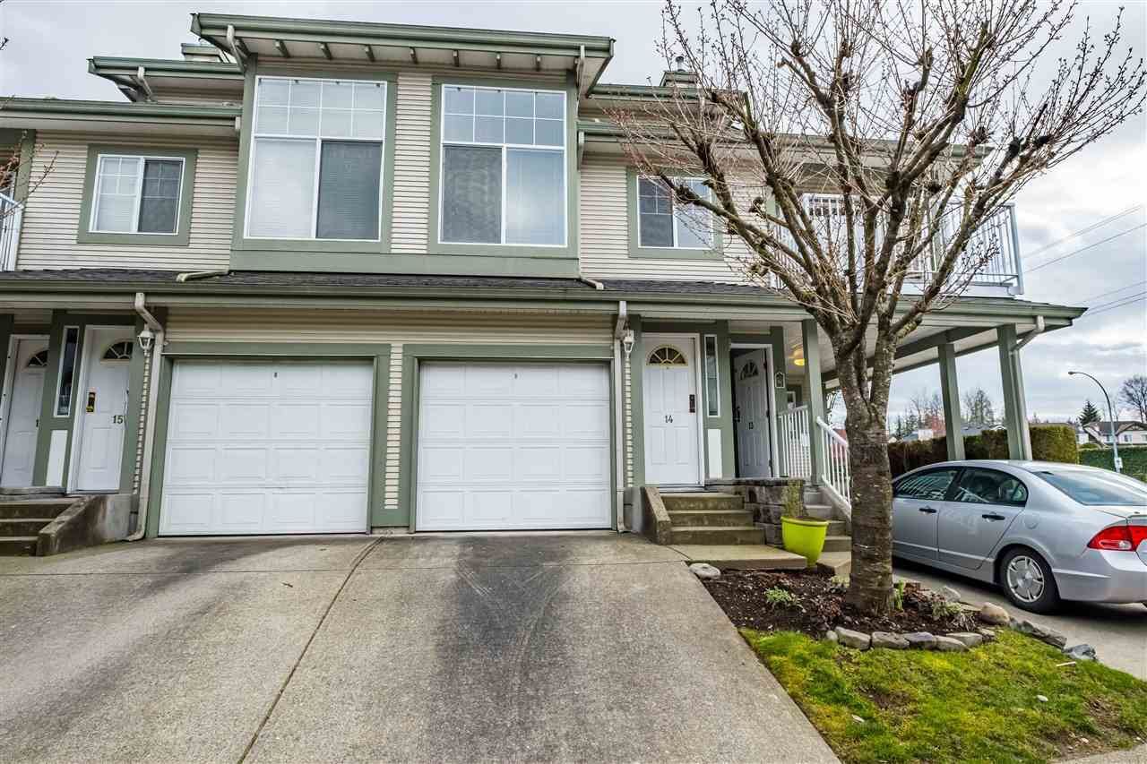 "Main Photo: 14 8892 208 Street in Langley: Walnut Grove Townhouse for sale in ""Hunters Run"" : MLS®# R2448427"