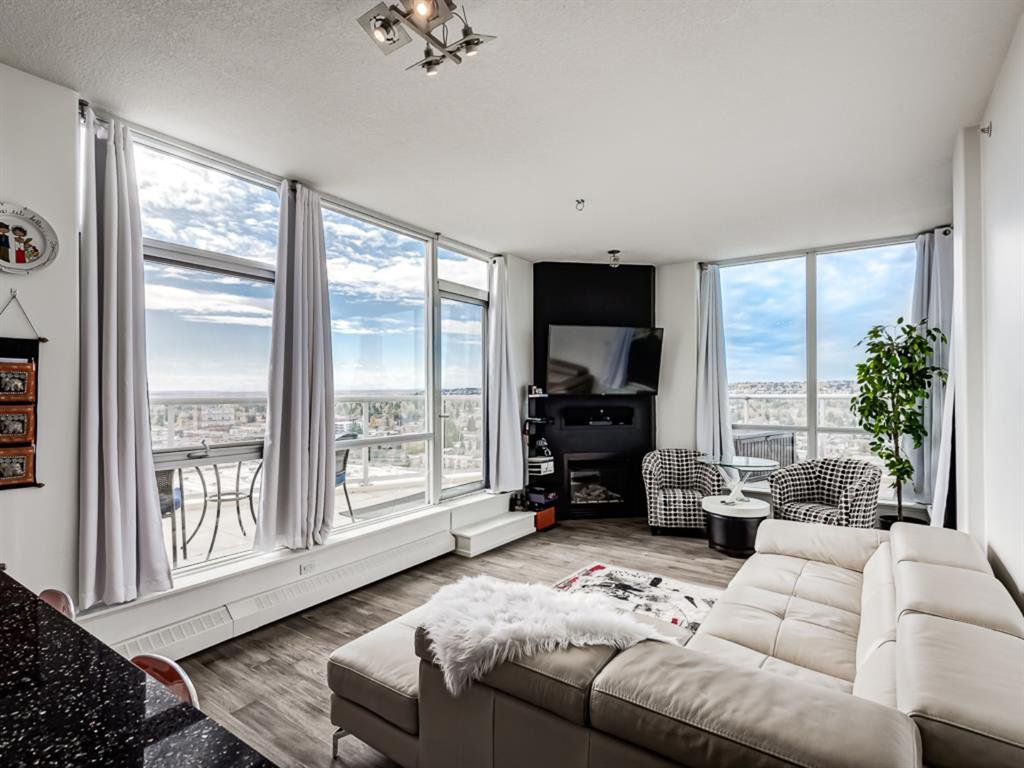 Main Photo: 2005 55 Spruce Place SW in Calgary: Spruce Cliff Apartment for sale : MLS®# A1041045