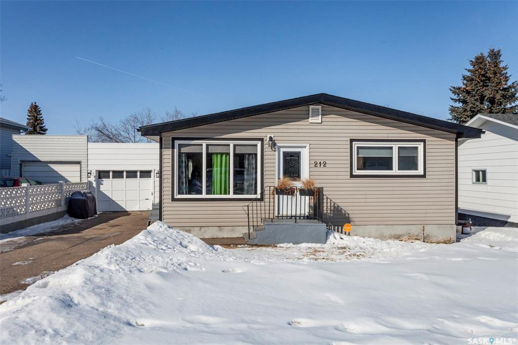 Main Photo: 212 3rd Street West in Delisle: Residential for sale : MLS®# SK803560