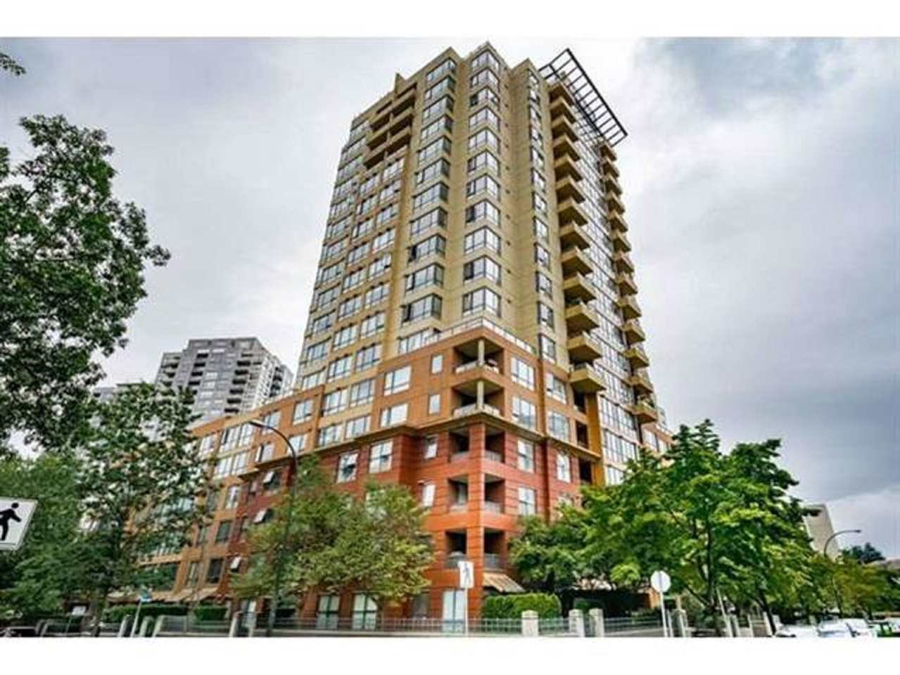 """Main Photo: 1507 5288 MELBOURNE Street in Vancouver: Collingwood VE Condo for sale in """"EMERALD PARK PLACE"""" (Vancouver East)  : MLS®# R2473828"""