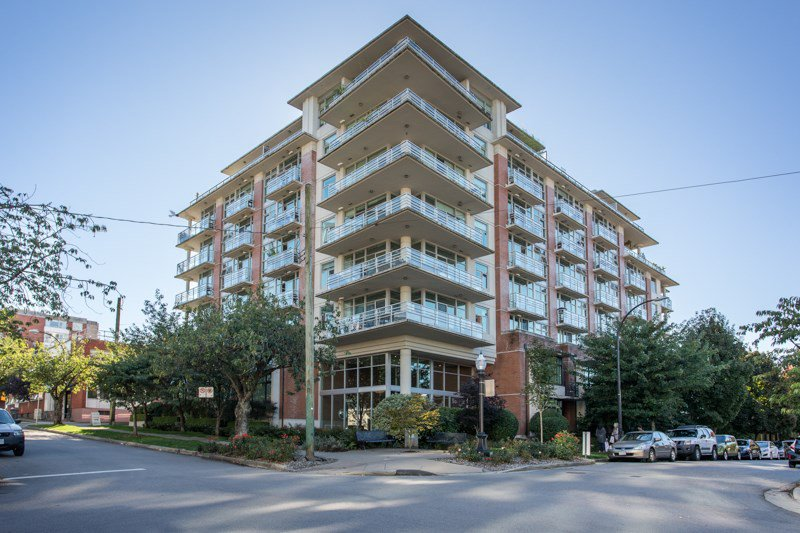 "Main Photo: 409 298 E 11TH Avenue in Vancouver: Mount Pleasant VE Condo for sale in ""THE SOPHIA"" (Vancouver East)  : MLS®# R2503658"