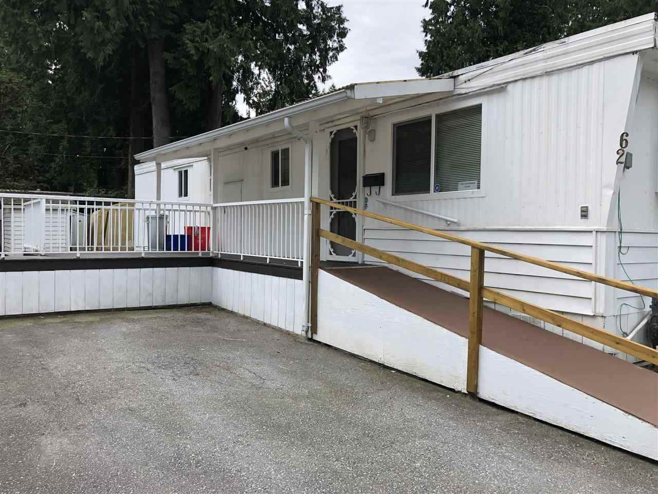 """Main Photo: 62 21163 LOUGHEED Highway in Maple Ridge: Southwest Maple Ridge Manufactured Home for sale in """"VAL MARIA"""" : MLS®# R2504195"""