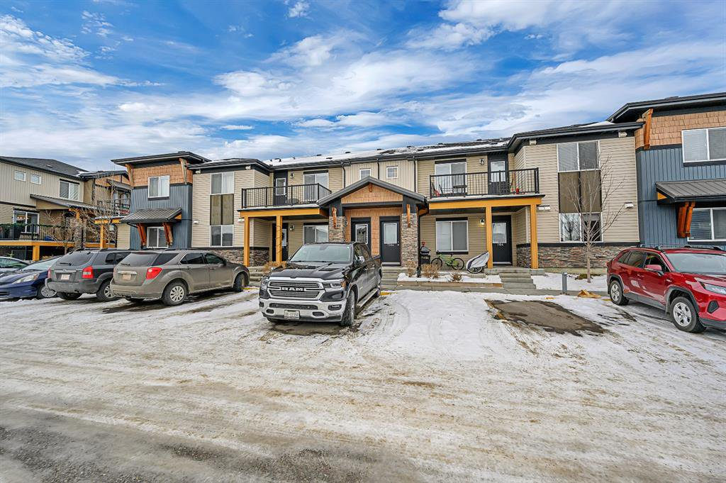 Main Photo: 7203 2781 Chinook Winds Drive SW: Airdrie Row/Townhouse for sale : MLS®# A1051381