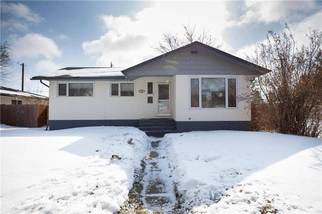 Main Photo: 1236 Edderton Avenue in Winnipeg: West Fort Garry Residential for sale (1Jw)  : MLS®# 202005842