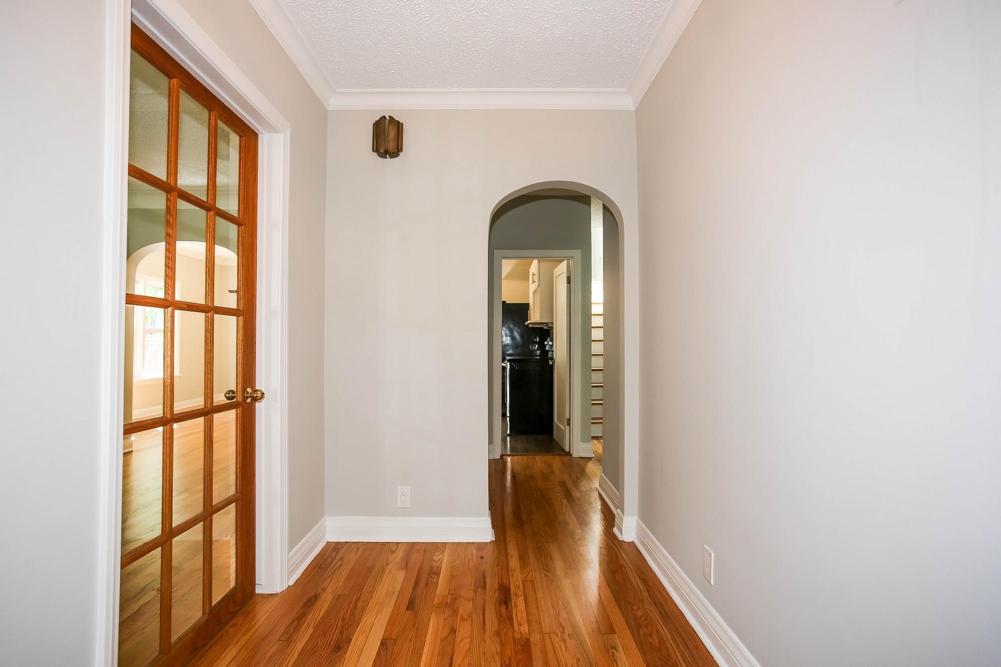 Photo 3: Photos: 155 Borebank Street in Winnipeg: River Heights Single Family Detached for sale (1C)  : MLS®# 202017166