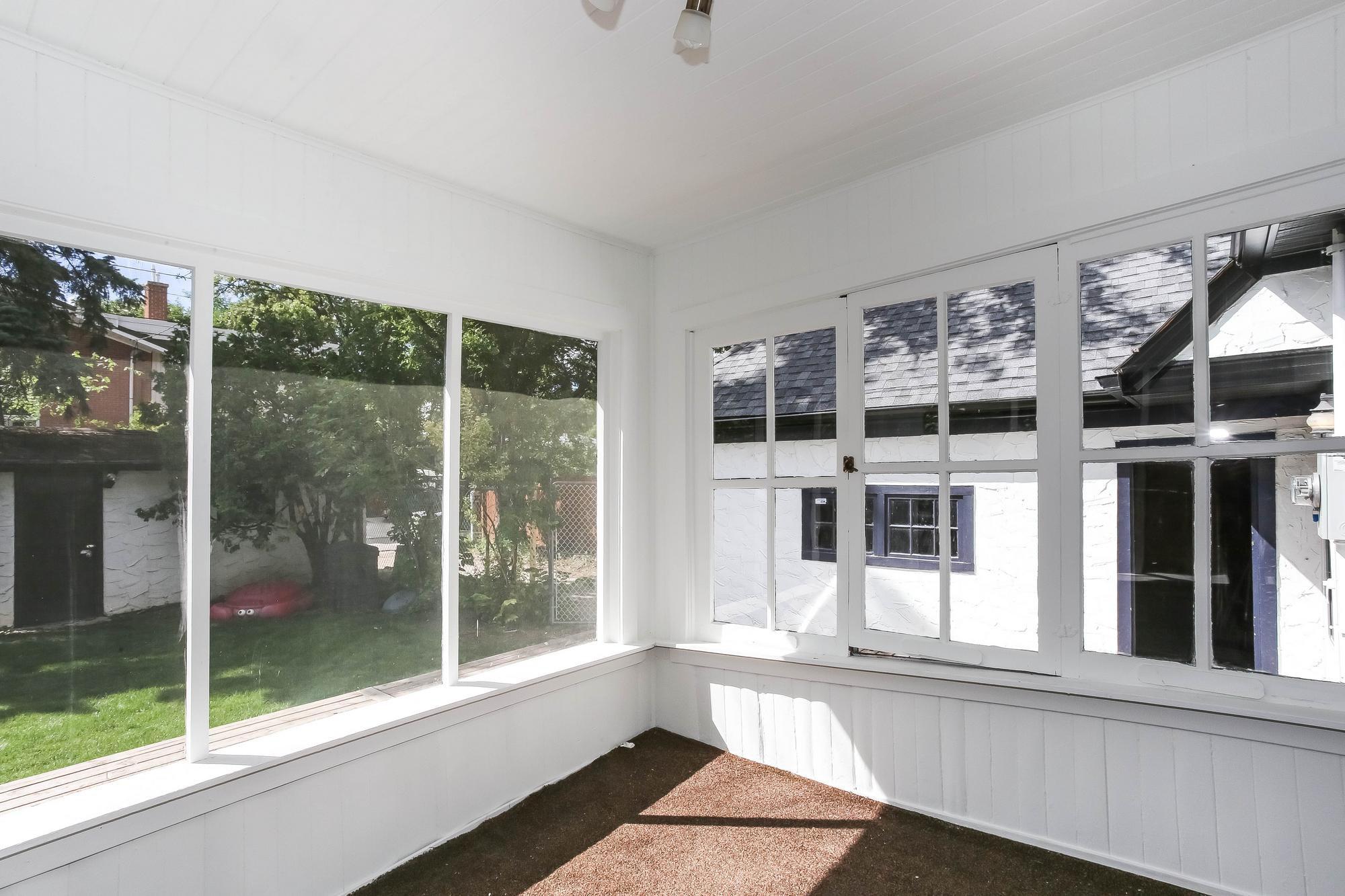 Photo 10: Photos: 155 Borebank Street in Winnipeg: River Heights Single Family Detached for sale (1C)  : MLS®# 202017166