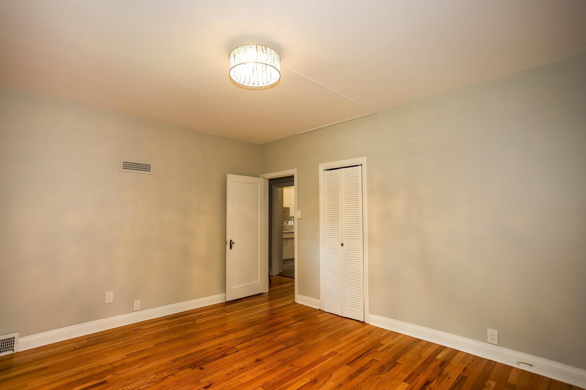 Photo 15: Photos: 155 Borebank Street in Winnipeg: River Heights Single Family Detached for sale (1C)  : MLS®# 202017166