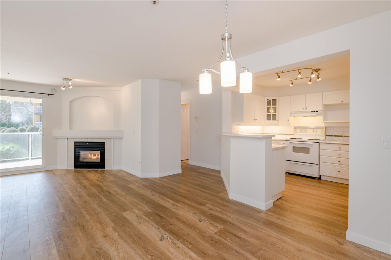 """Main Photo: 102 20125 55A Avenue in Langley: Langley City Condo for sale in """"BLACKBERRY LANE II"""" : MLS®# R2481184"""