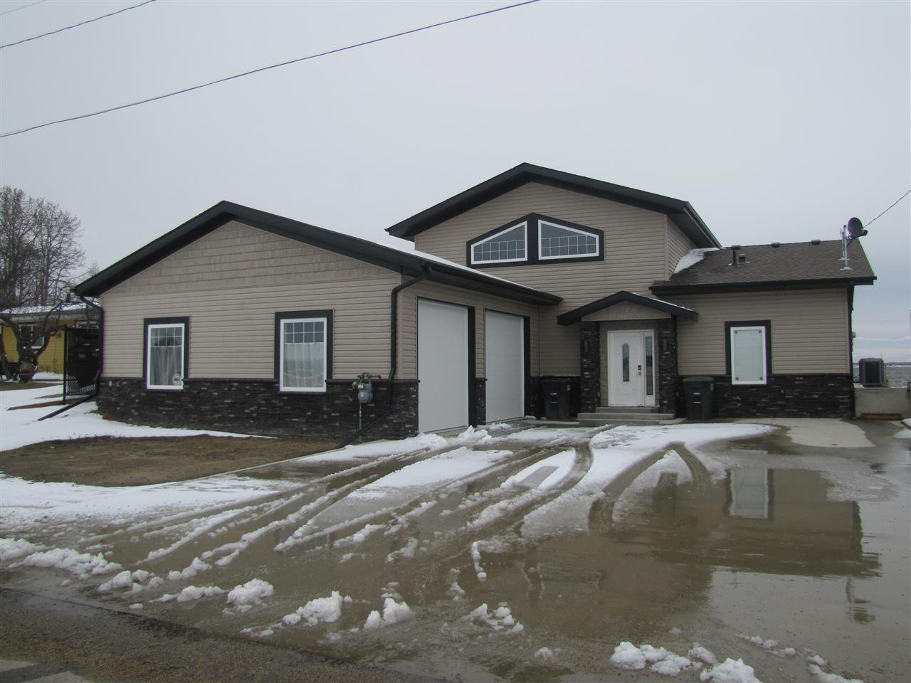 Main Photo: 6808 50 Avenue: Rural Lac Ste. Anne County House for sale : MLS®# E4219729
