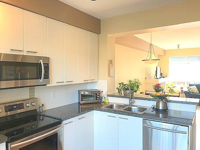 """Photo 7: Photos: 11 7155 189TH Street in Surrey: Clayton Townhouse for sale in """"BACARA"""" (Cloverdale)  : MLS®# R2389481"""