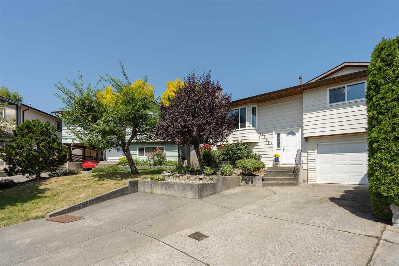 Main Photo: 2361 WAKEFIELD Court in Langley: Willoughby Heights House for sale : MLS®# R2395530