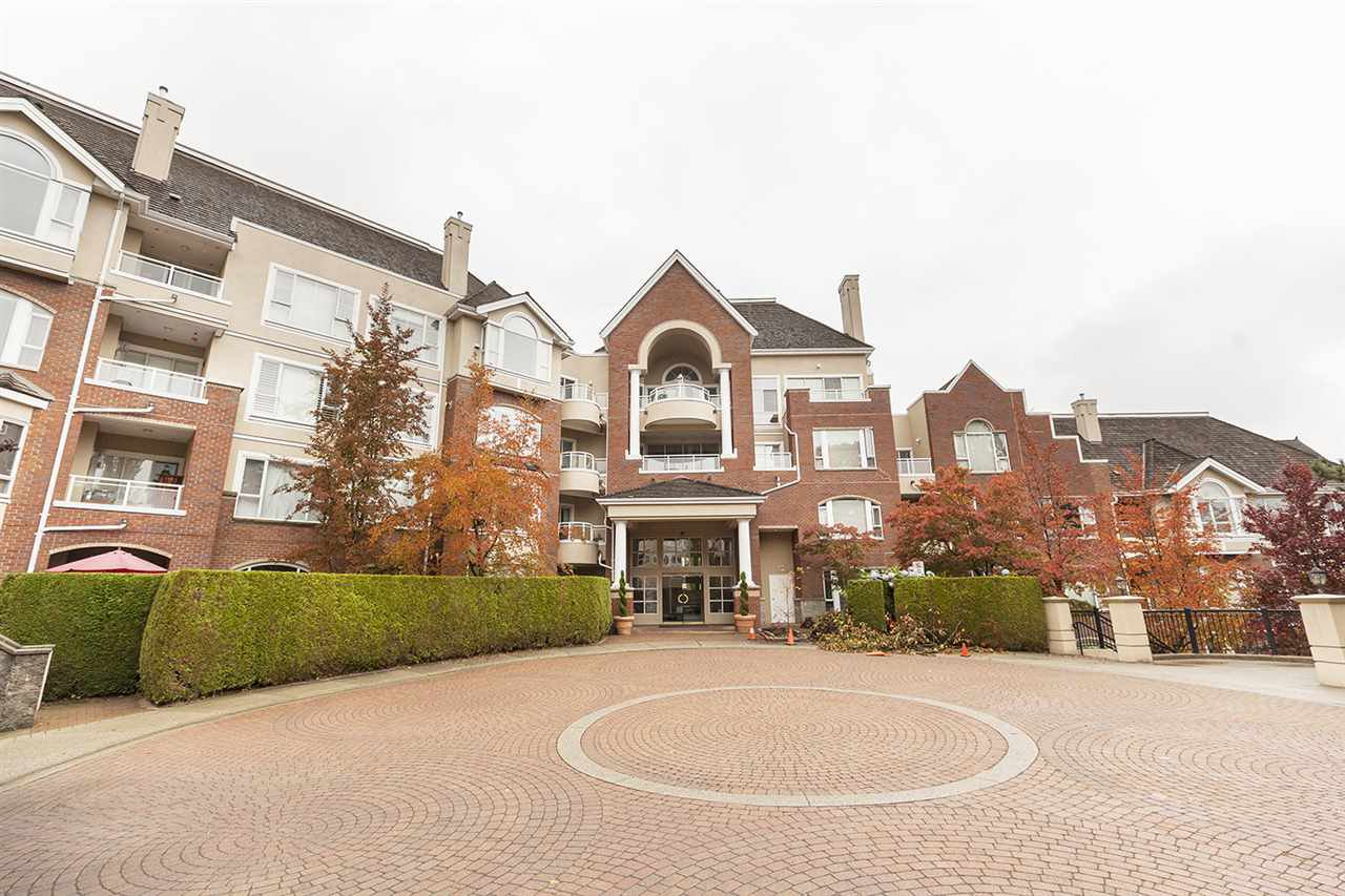 "Main Photo: 511 5262 OAKMOUNT Crescent in Burnaby: Oaklands Condo for sale in ""St Andrews"" (Burnaby South)  : MLS®# R2413031"