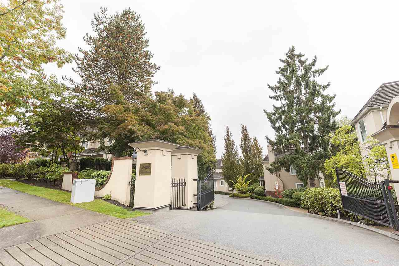 "Photo 13: Photos: 511 5262 OAKMOUNT Crescent in Burnaby: Oaklands Condo for sale in ""St Andrews"" (Burnaby South)  : MLS®# R2413031"