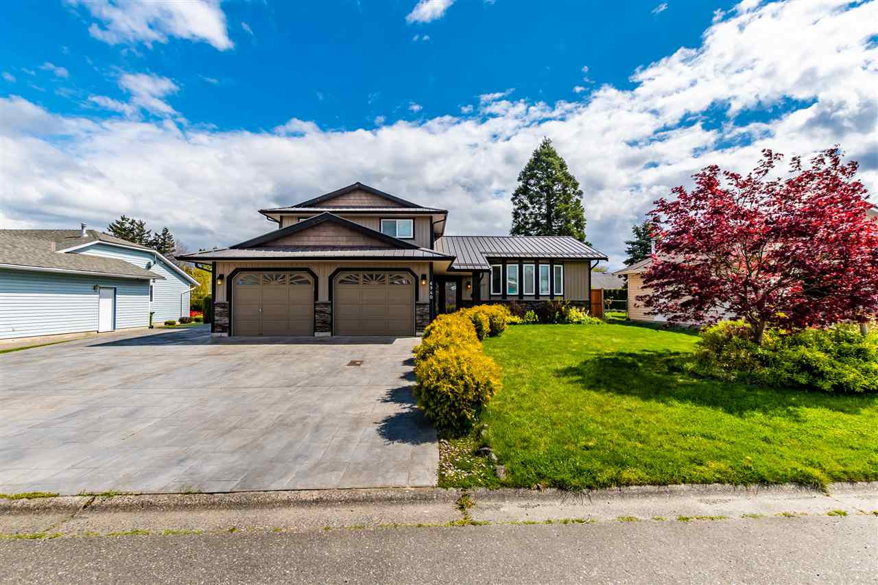 Main Photo: 6940 COACH LAMP Drive in Chilliwack: Sardis West Vedder Rd House for sale (Sardis)  : MLS®# R2451158